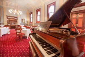 Vue Grand Hotel Piano